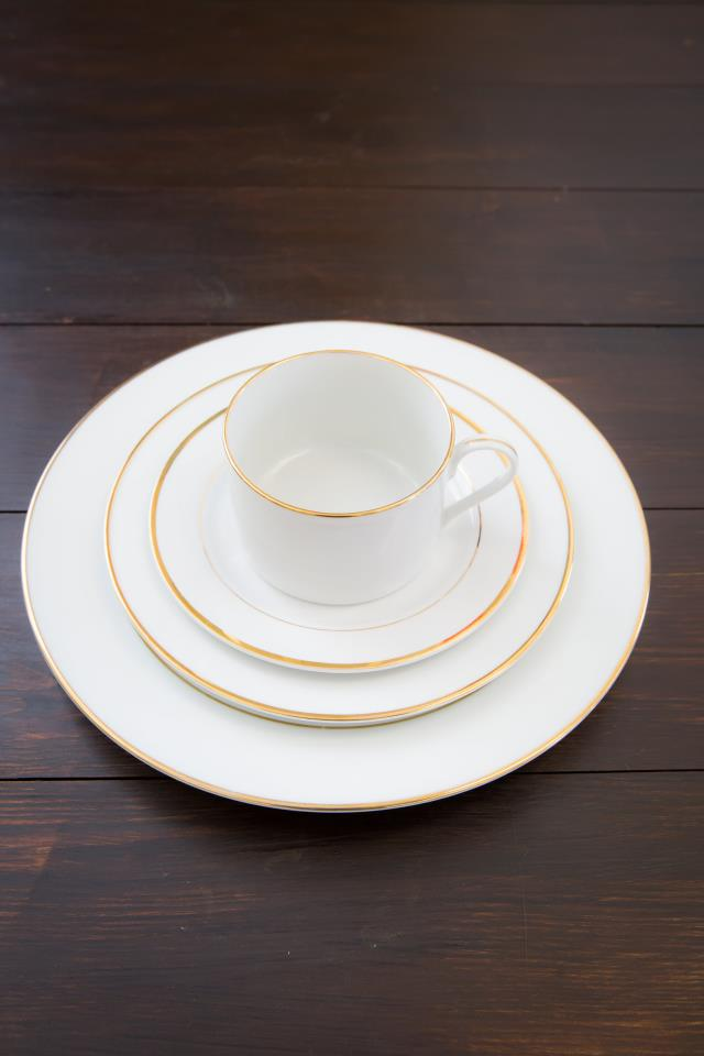 Where to find White W  Gold Rim Dinner Plate in Richmond