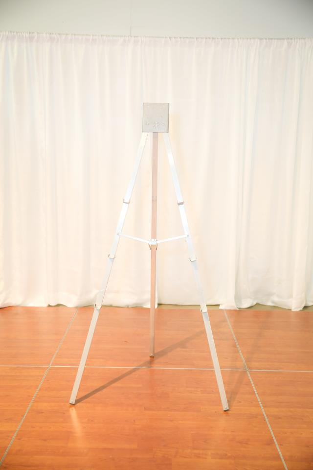 Where to find 5  Aluminum Folding Easel in Richmond