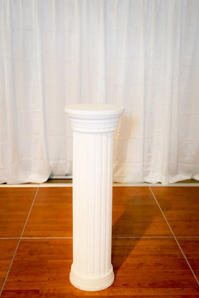 Where to find 40  White Plastic Column in Richmond