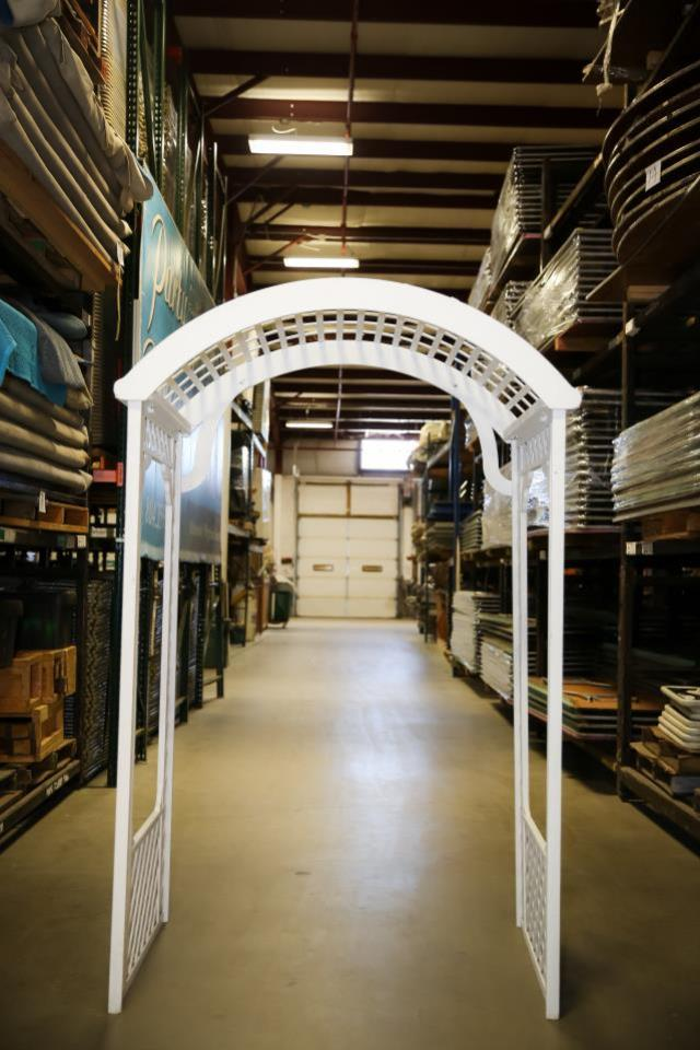 Where to find White Wooden Arch in Richmond